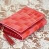 エナメルクロコ型押しレディース二つ折り財布 レッド/ピンク 【送料無料】
