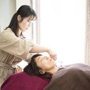 頭皮からスペシャルリフトアップ美容鍼のイメージその1