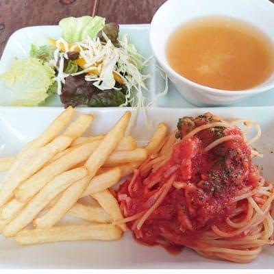 お子様パスタプレート(お味噌汁、サラダ、ポテト、100%ジュース付)