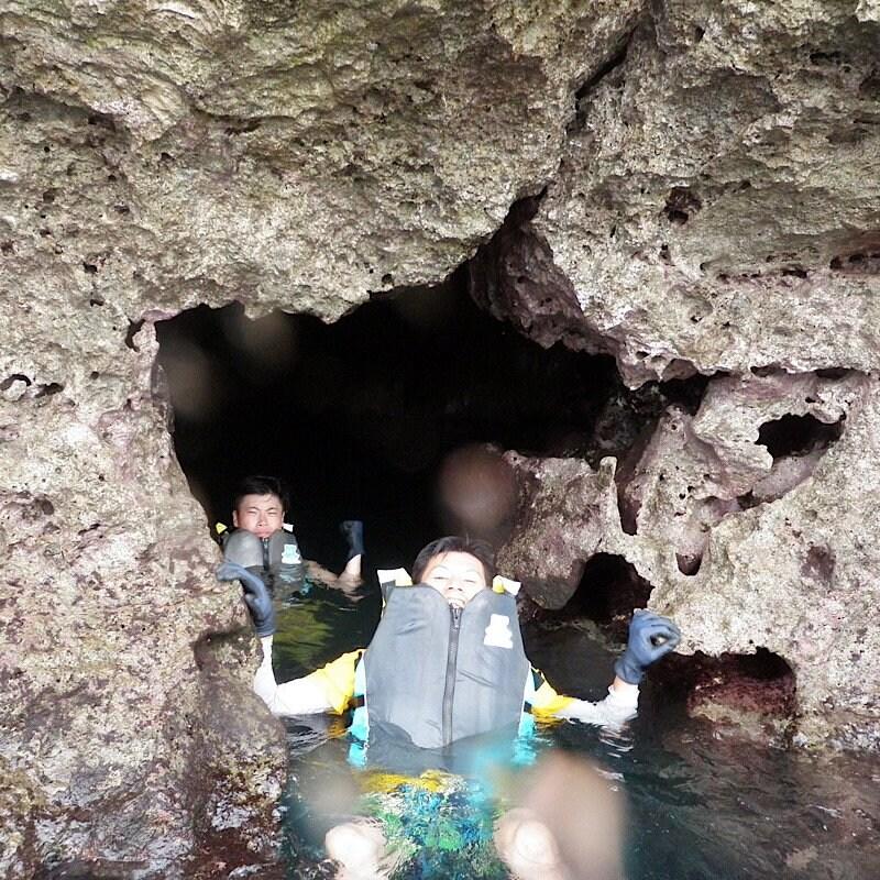 コロナ緊急事態宣言明け自分へのご褒美に!エメラルドグリーンの海が半端ネー/宮古島格安パンプキン鍾乳洞探検ツアー/1日1回1組限定/オフシーズン12月から2月も実施可能のイメージその2