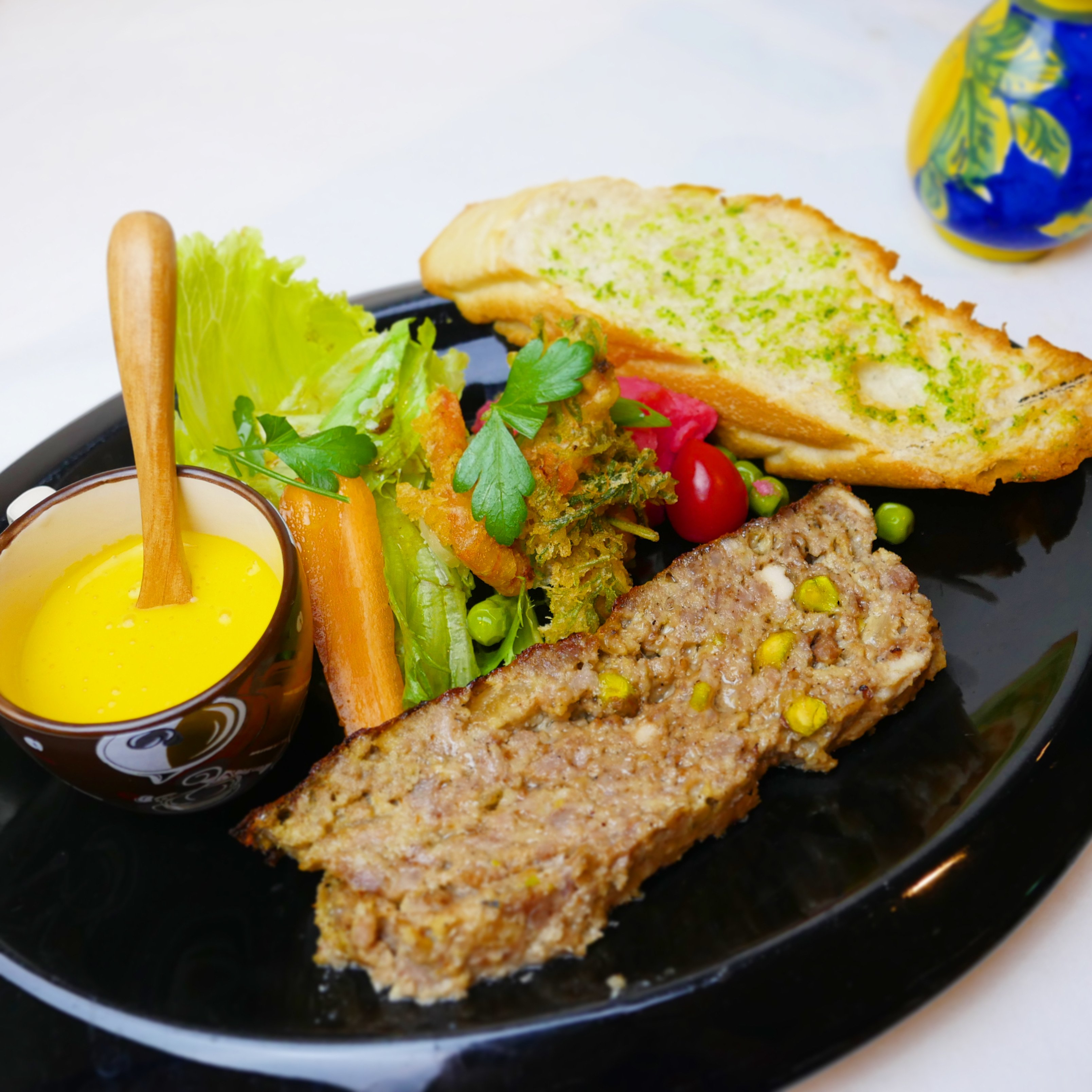 [現地払い専用]ゴロゴロお肉のイタリア風パテワンプレートランチのイメージその1