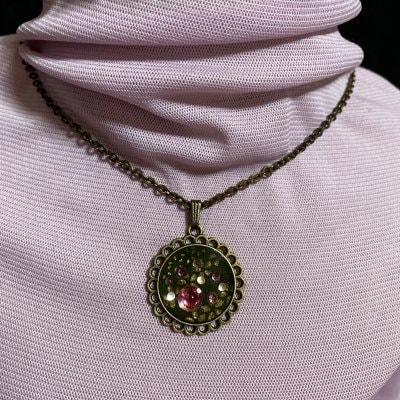 レジン和紙を使ったネックレス(さくら緑)