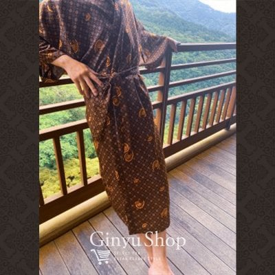 ガウン/オリジナルデザインバティック柄ガウン(丈127cm/男女兼用/丈長め/裾に柄なし)