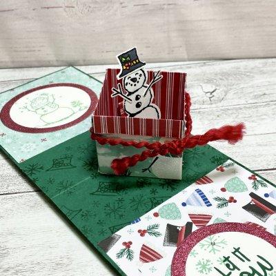 【クリスマスカード】箱からスノーマン