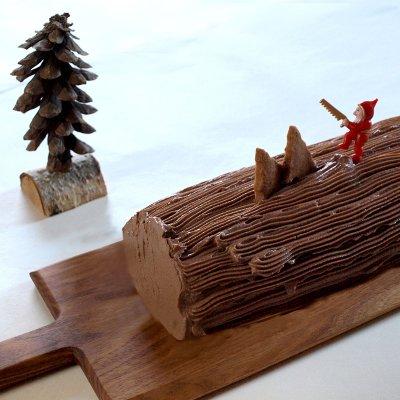 ブッシュドノエルハーフサイズ〜クリスマスのケーキのご予約承り中