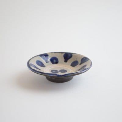 4寸皿 コバルト点打ち / 沖縄の青い海をのような釉薬 / 横田屋窯の沖縄伝統の点打ち