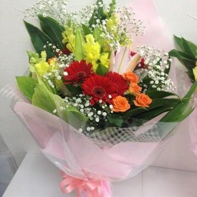 季節のお花を使った花束【送料込み】