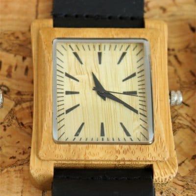 【木の腕時計】天然木×本革 木のぬくもり 優しい感触 メンズ レディース 革バンドの色も選択可♪ 金属アレルギーで腕時計を諦めていた方にも【EM】