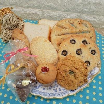 グルテンフリーパン&スイーツ サマーバラエティセット (パン5種、スコーン1種、おからマフィン1種、クッキー小袋2種のセット)