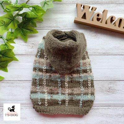 チェック模様フード付きセーター