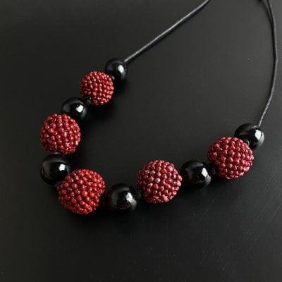 N-3 赤と黒の木苺ネックレス 【送料無料】