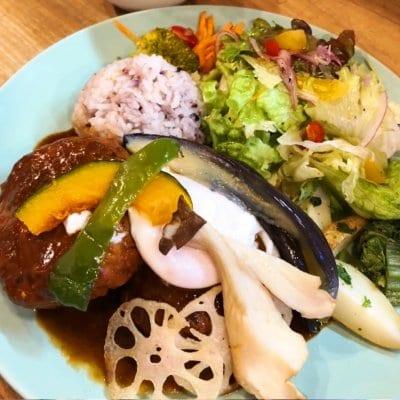 <ランチ>体とココロにも優しい旬野菜がたっぷり〜 日替わりおばんざいプレートランチ