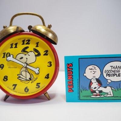 【オーバーホール済】スヌーピー赤黄色 手巻き機械式目覚まし時計 ヴ...