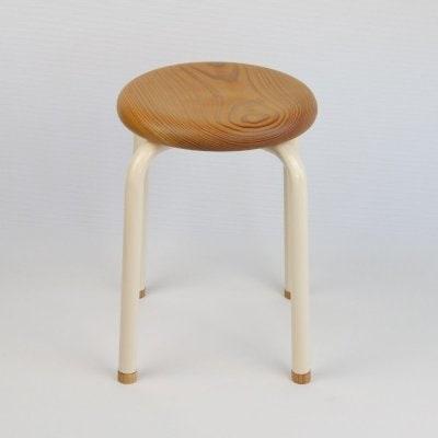イスマル《トール》新潟県産杉 無垢材一枚板 日本の手づくりを子どもたちへ 積み重ね可能 スタッキング スツール 椅子 チェア ウッド 腰掛け リビング プレゼント 子供