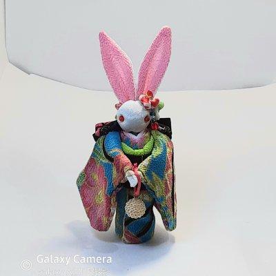 水色着物のかわいいウサギ人形