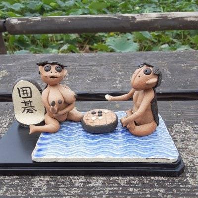将棋をさす球磨川のがらっぱ(河童)人形