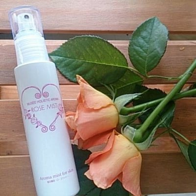 【幸せ脳】ローズミスト100ml (ローズオットー精油配合)ローズ化粧水 乾燥が気になる時にいつでもシュッと全身に使えます!バラの香りそのままを肌に..心も体も潤いを