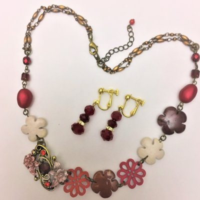209F1-8 Red Multi Color Flower Necklace 18,700円(税込)