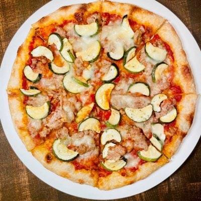 【店頭受け取り】せたな豚サルシッチャとズッキーニの辛いピッツァ