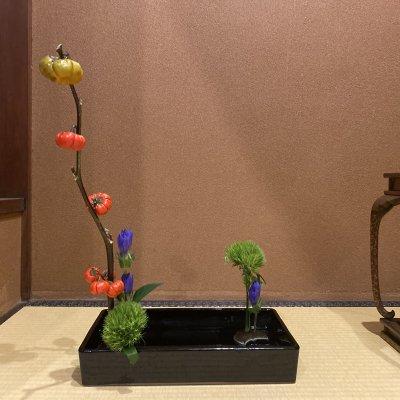 型のない生け花〜自分と繋がる時間と懇親会 流派にとらわれない心のままに活ける生け花