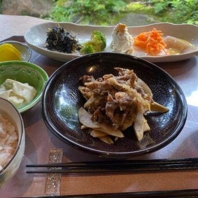おばんざいセット 牛肉と牛蒡のしぐれ煮とおぼろ豆腐