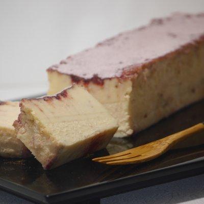 二つの味わいをお楽しみください『苺と薔薇のチーズケーキ』