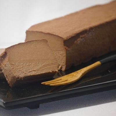 濃厚で滑らかな『ダークチョコレート チーズケーキ』