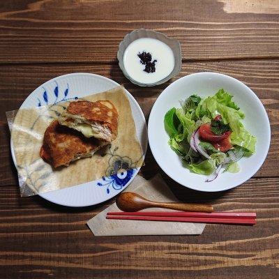 パニーニランチ(サラダ・手作りヨーグルト付き)ハーブティー&スイーツ付(その他のドリンク ✙50円)