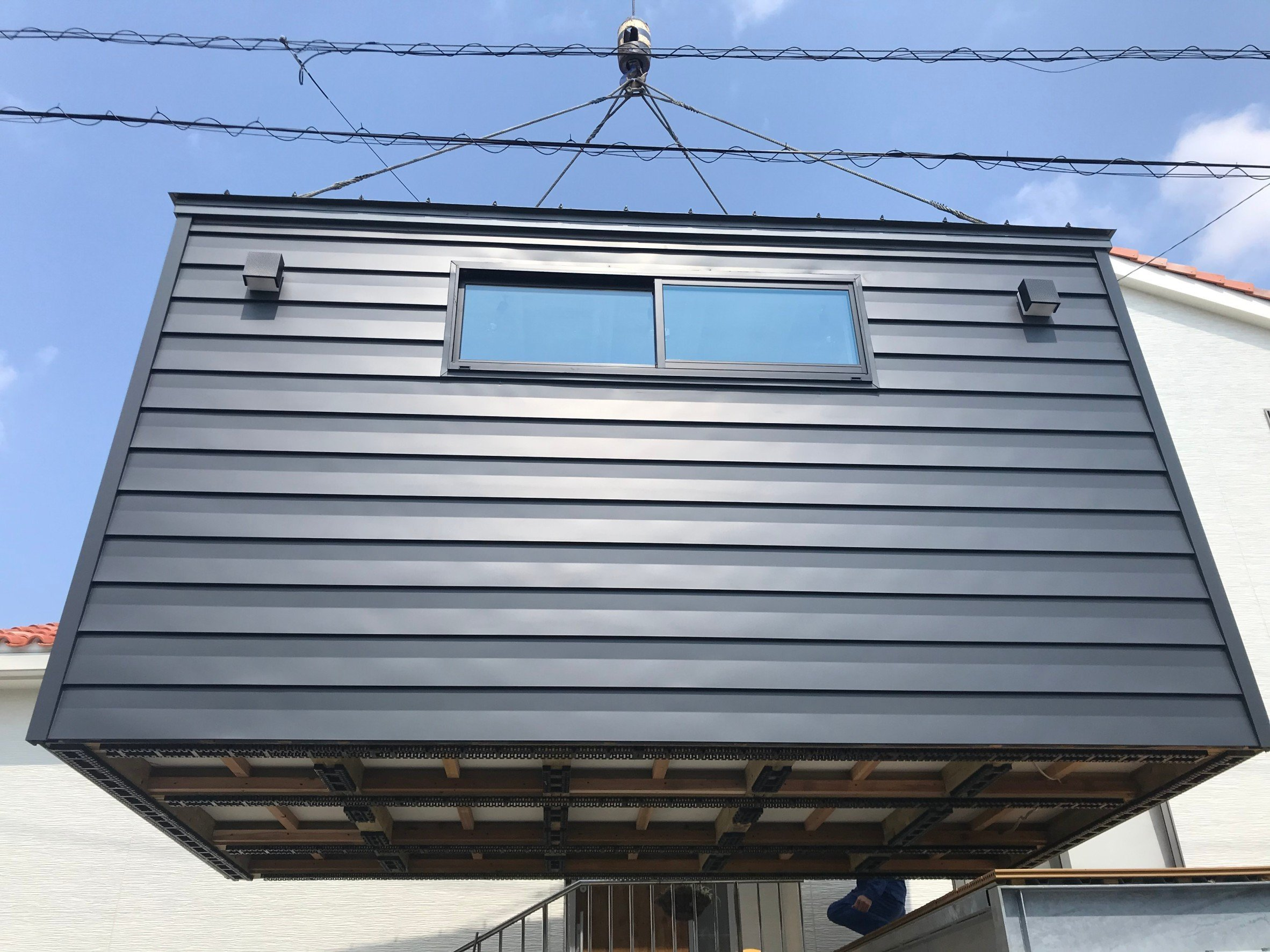 【M様専用】木造タイニーハウスHEYA|本体(移動費、オプション別途)|D2,400 × W4,200 × H2,600mmのイメージその3