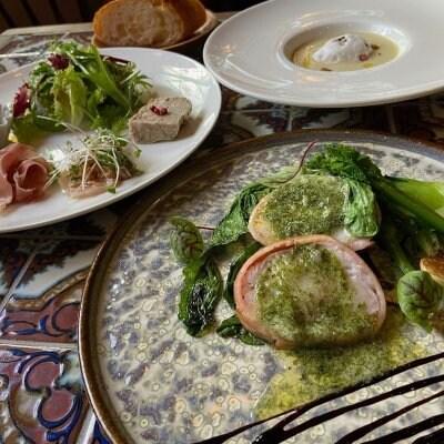 ムースケトン ランチ ムースケトン の美味しさの詰まった前菜、旬野菜のポタージュ、とっておきのメインの楽しめるコースです。