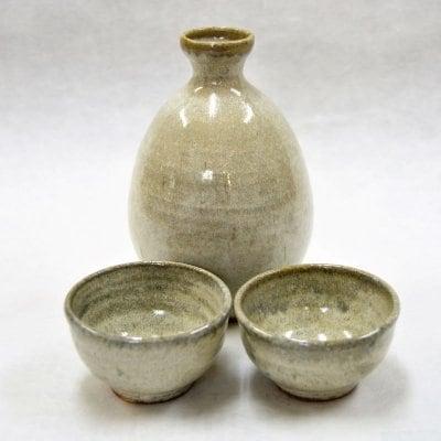 天然土灰白釉酒器3点セット(徳利+ぐい呑み2)