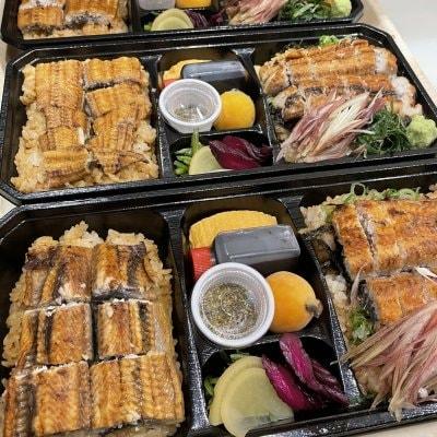 隆の鰻弁当3000円(鰻重とひつまぶしのお弁当、お茶漬け用の出汁付き)...