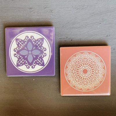 【ピンク・紫】吸収性の良いタイルコースター2枚組