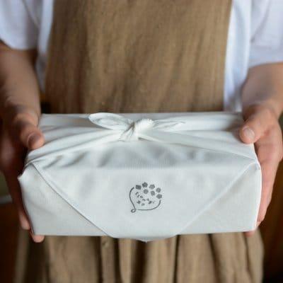 【誰かにあげたい】オーガニック完熟バナナケーキ 6枚入りギフトBOX
