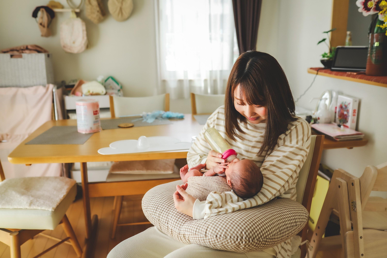 生花と赤ちゃんとありのままフォトの欲張りニューボーンフォト 特上ボーンのイメージその4
