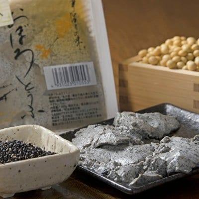 黒ごま入りおぼろ豆腐