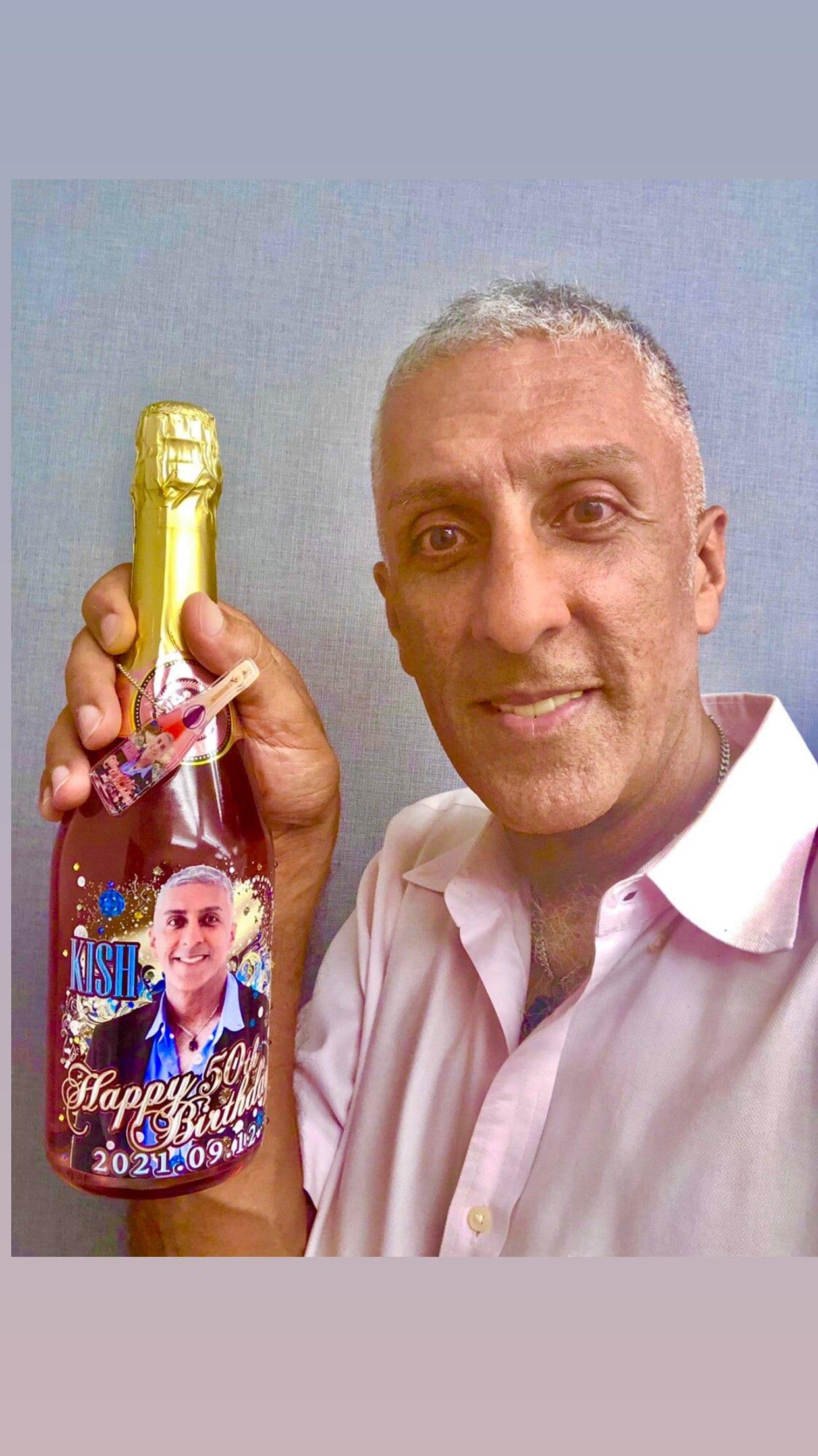 キッシュとオリジナルスパークリングワインで乾杯のイメージその5