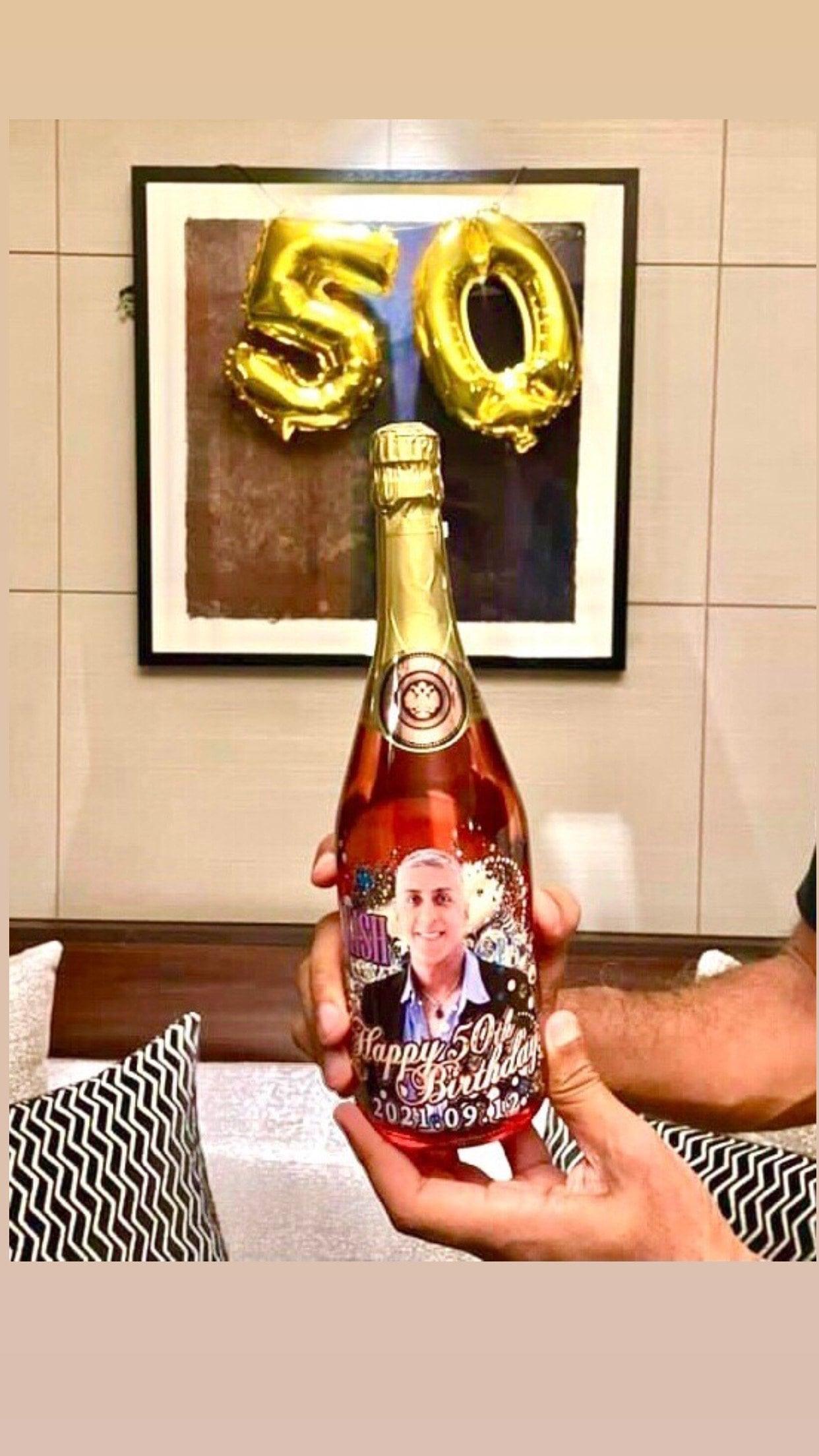 キッシュとオリジナルスパークリングワインで乾杯のイメージその3