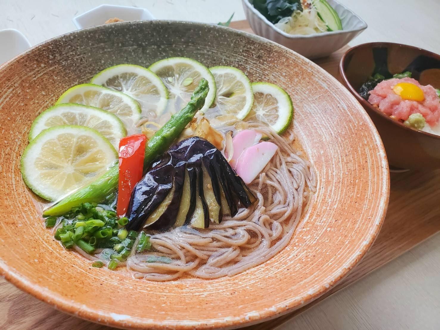 栄養士監修 1日の1/2の野菜が摂れる十割そばセットのイメージその3