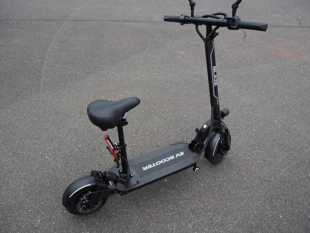 100%電気で動く折畳み可能な電動バイク ブレイズEVスクーター(ブラック色)【現金払い・銀行振り込み専用チケット】のイメージその1