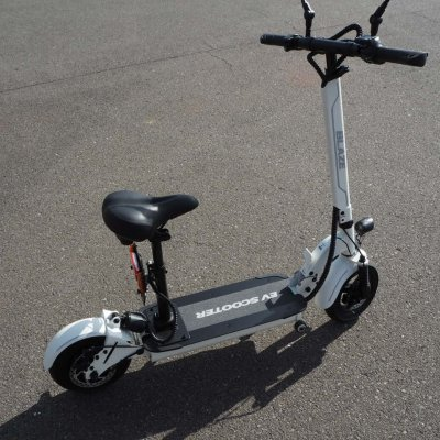 100%電気で動く折畳み可能な電動バイク ブレイズEVスクーター(ホワイト色)【現地払い・銀行振り込み専用チケット】