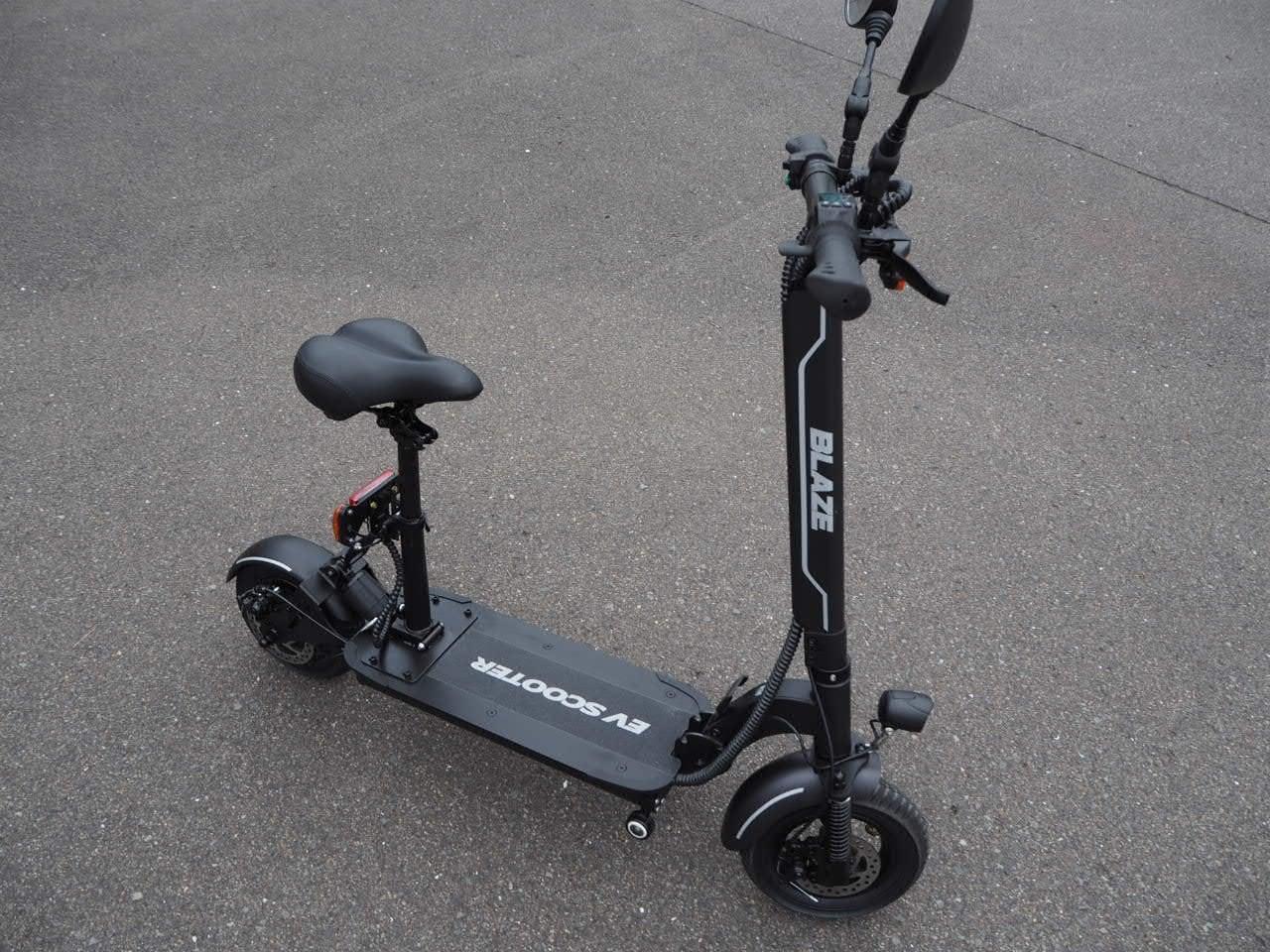 100%電気で動く折畳み可能な電動バイク ブレイズEVスクーター(ブラック色)【現金払い・銀行振り込み専用チケット】のイメージその2