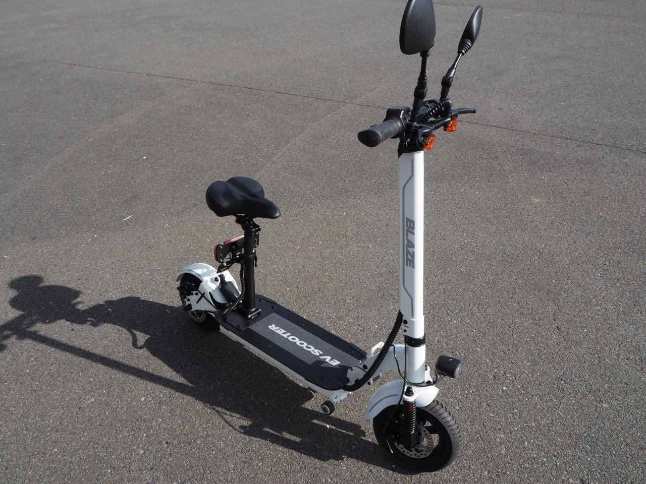 100%電気で動く折畳み可能な電動バイク ブレイズEVスクーター(ホワイト色)【現金払い・銀行振り込み専用チケット】のイメージその2