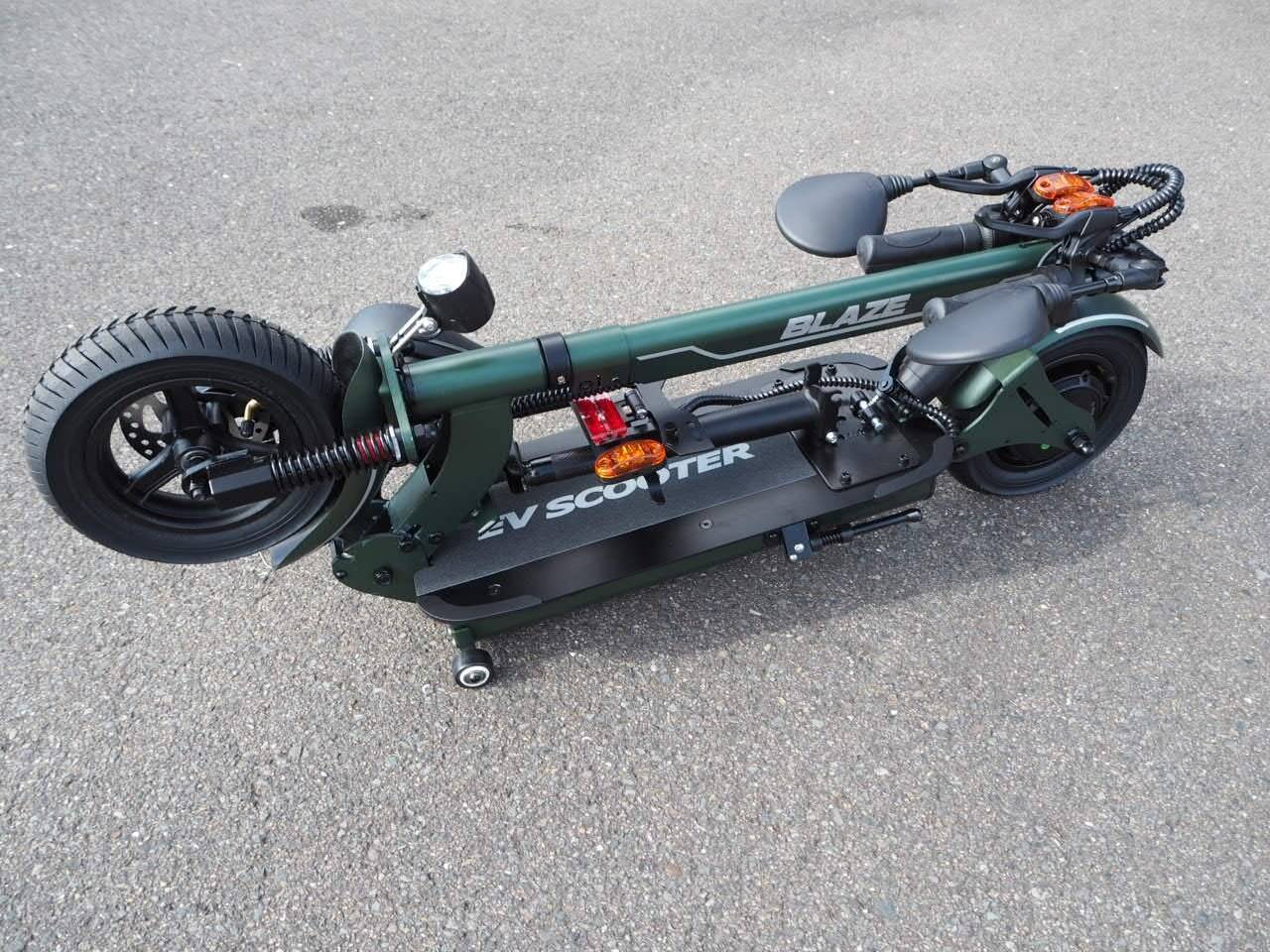 100%電気で動く折畳み可能な電動バイク ブレイズEVスクーター(カーキ色)【現金払い・銀行振り込み専用チケット】のイメージその3