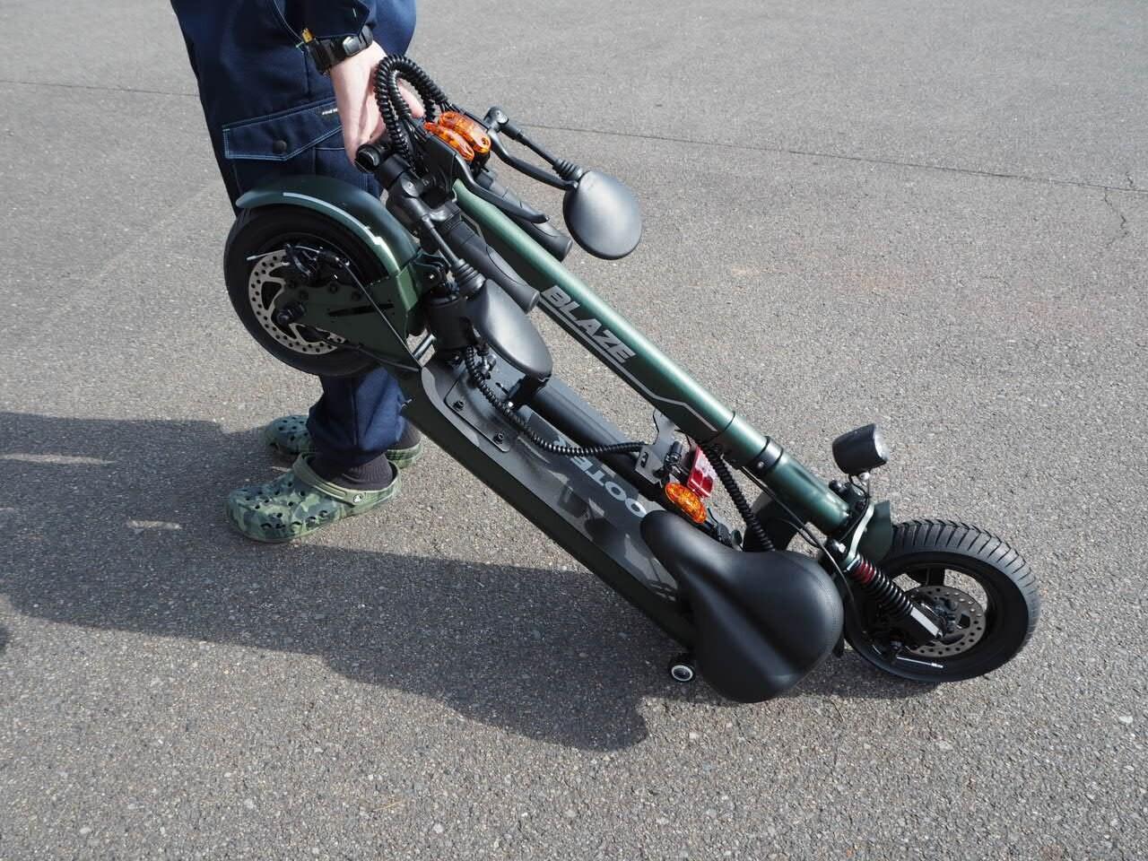 100%電気で動く折畳み可能な電動バイク ブレイズEVスクーター(ワインレッド色)【現金払い・銀行振り込み専用チケット】のイメージその3