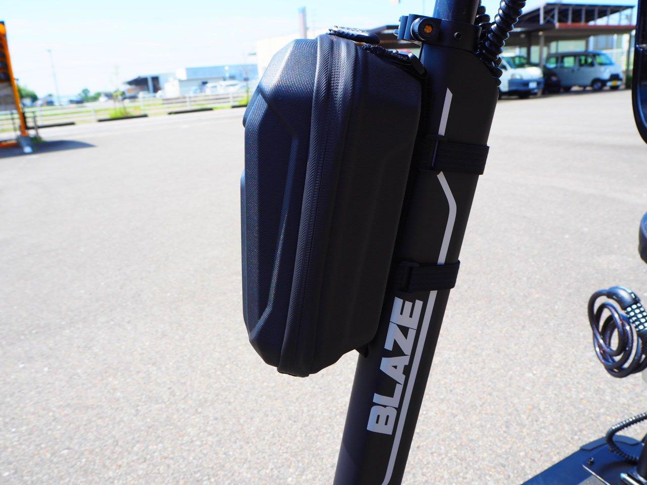 電動バイク用防雨バッグ(携帯電話、小物、標識交付証明書、自賠責保険証明書入れなどに便利)のイメージその1