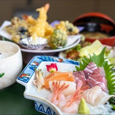 和定食(ランチ、ディナー両方ご利用いただけます)