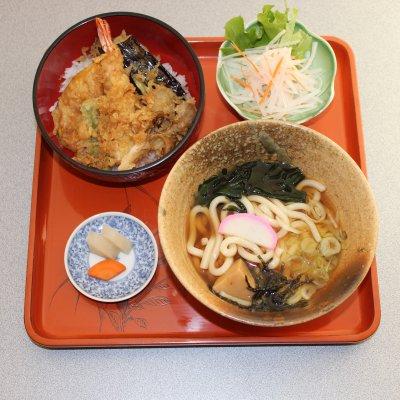 ミニ天丼&蕎麦、うどん、ラーメン選べるAセット(ランチ、ディナー両方ご利用いただけます)