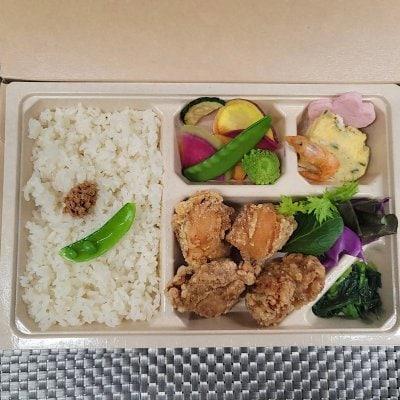 7/31ドラべんメニュー 10種類の野菜の唐揚げ弁当 850円
