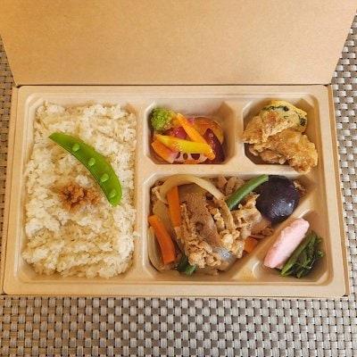 7/31ドラべんメニュー 10種類の野菜の牛すき焼き弁当 850円